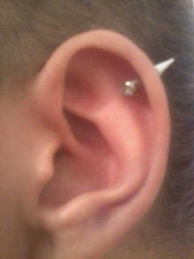 piercings de cartilagem
